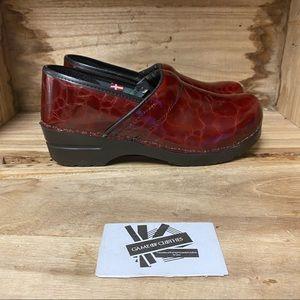 Sanita leather clogs red black comfortable clogs